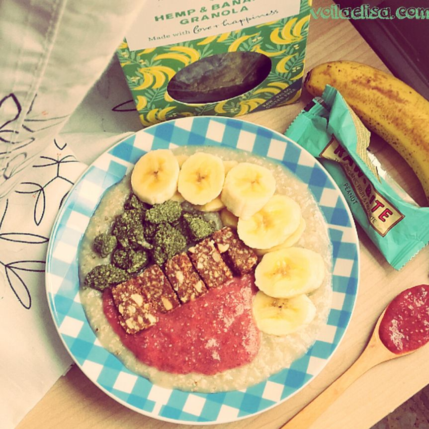 Porridge energético con granola y mermelada de fresa http://voilaelisa.com/2016/04/04/porridge-granola-mermelada-vegano/#more-2524