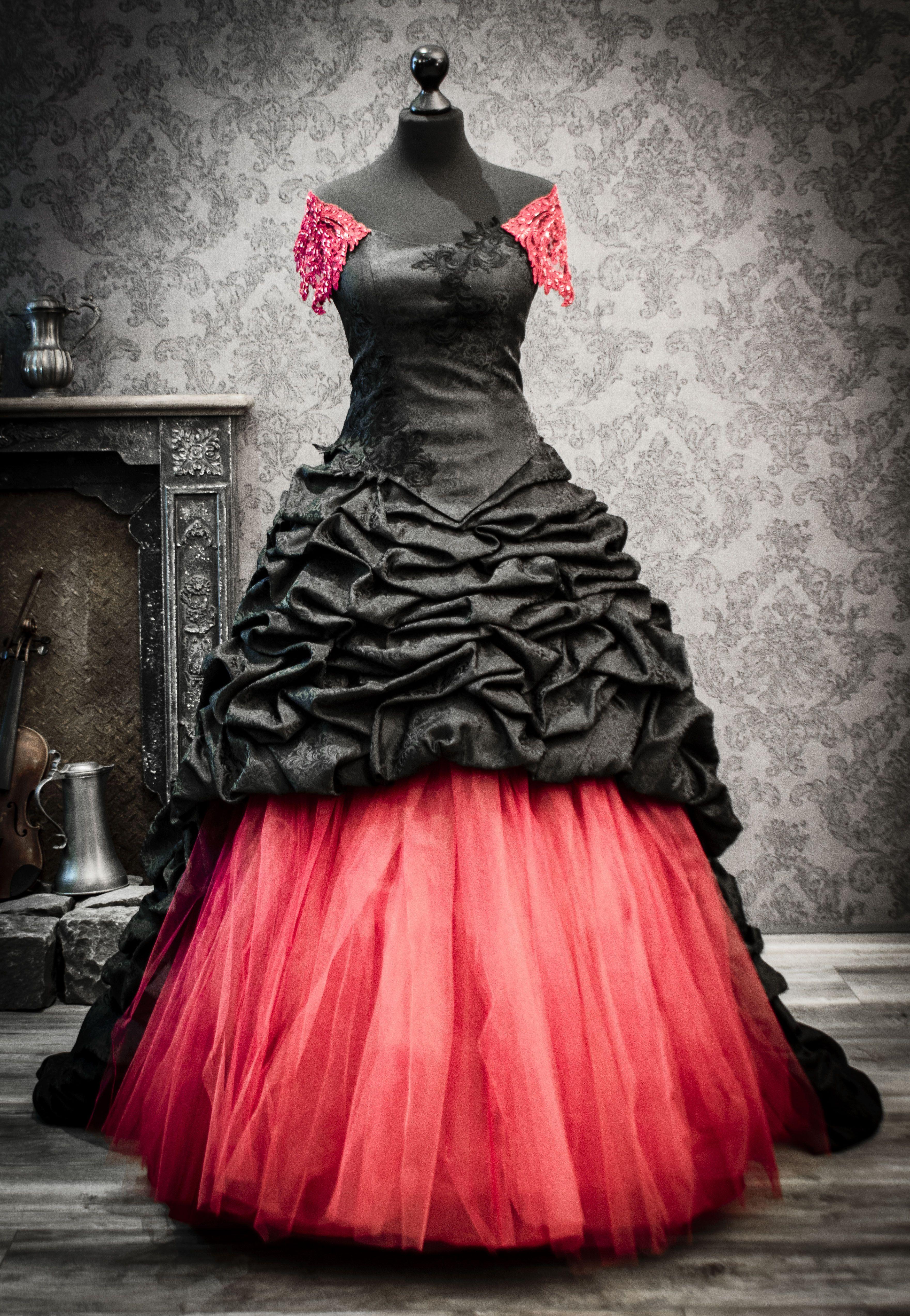Rot schwarzes Hochzeitskleid  Brautmode, Kleider für bälle