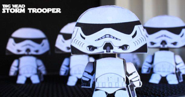 Star Wars : Big Head Strormtrooper Paper Toy | Christian's