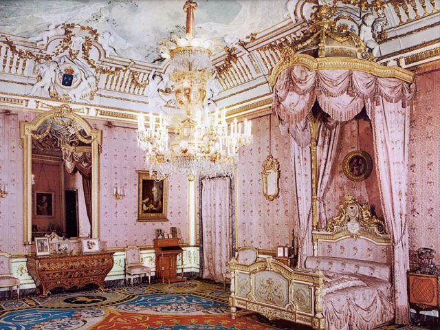 Dormitorio de victoria eugenia en el palacio real de - Dormitorio barroco ...