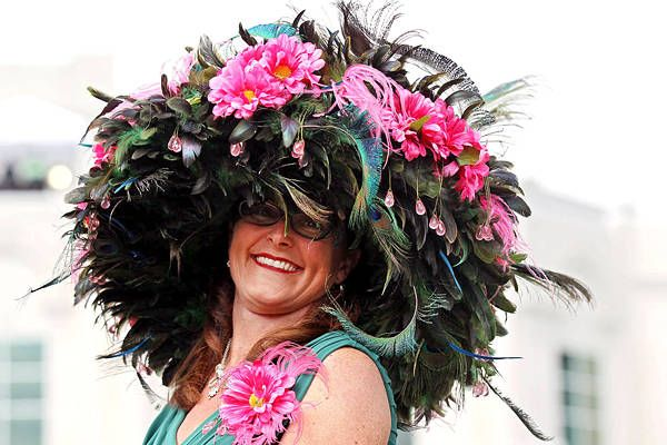 DERBY HATS!!! live from the 2012 kentucky derby!!!!! :-)