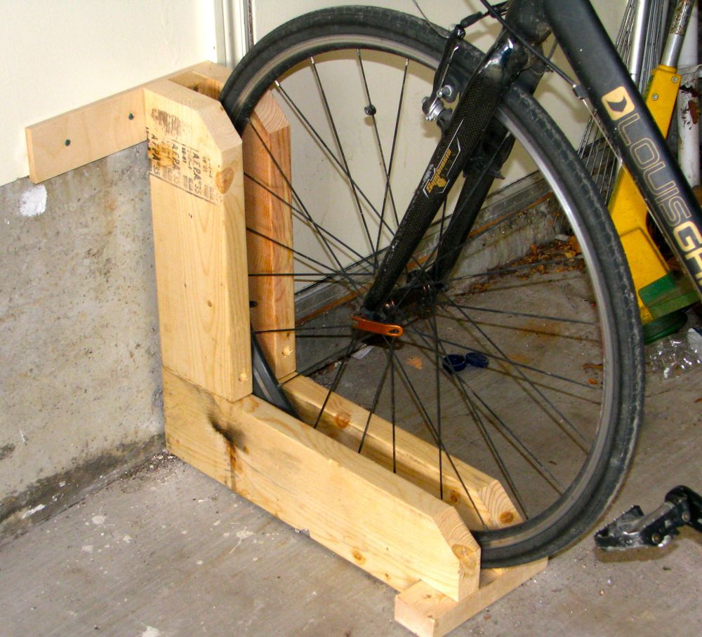 Look jeremy s bicycle rack apartment therapy - Quick And Simple Bike Rack