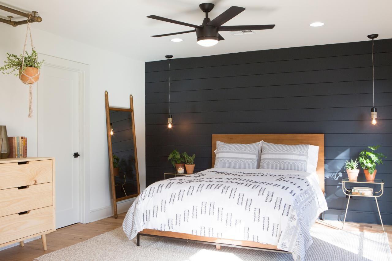 Photos Hgtv S Fixer Upper With Chip And Joanna Gaines Hgtv Fixer Upper Bedrooms Black Walls Bedroom Feature Wall Bedroom