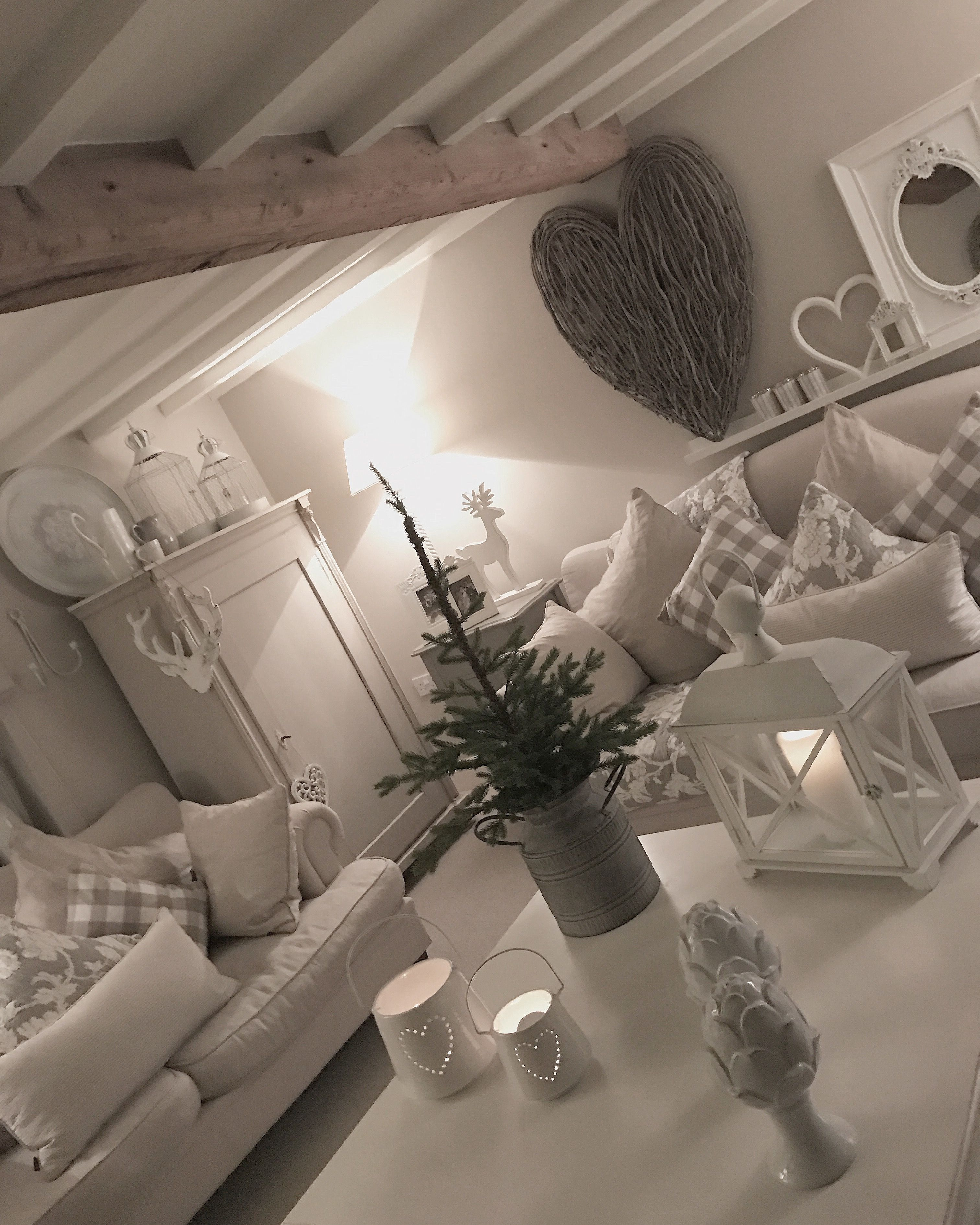 How To Decorate A Cosy And: Grey Extra Large Wicker Wall Heart