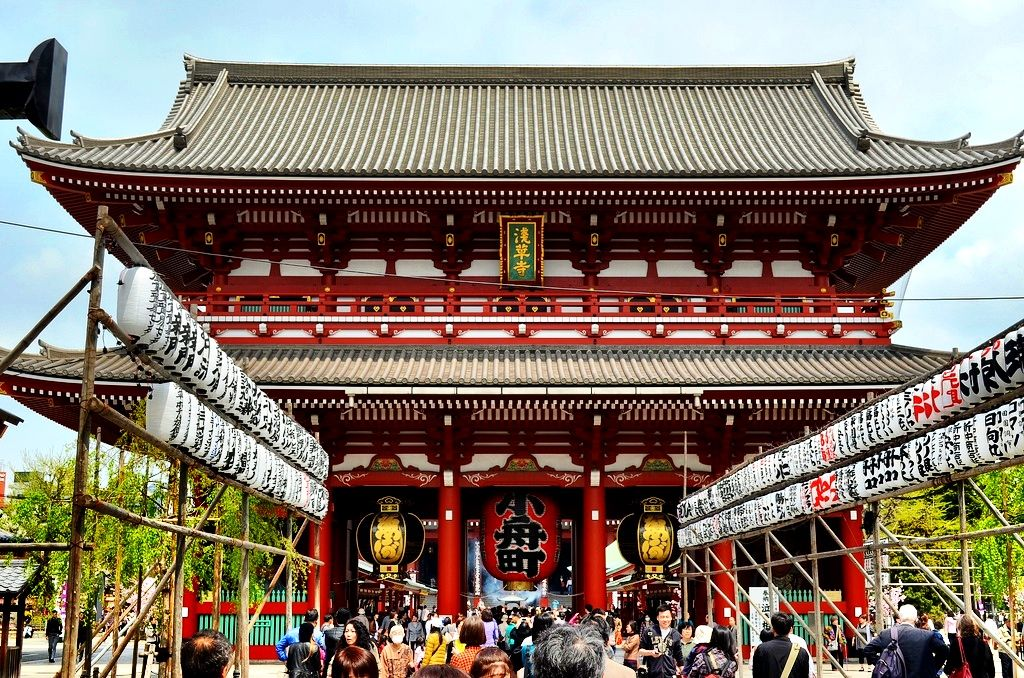 We visited Sensoji Temple when our cruise ship stopped in Tokyo, #Japan.   Great photo from http://landlopers.com  #boomer #travel