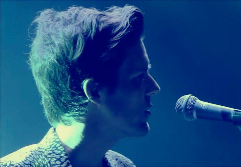 Brandon Flowers - Awesome haircut going on here!