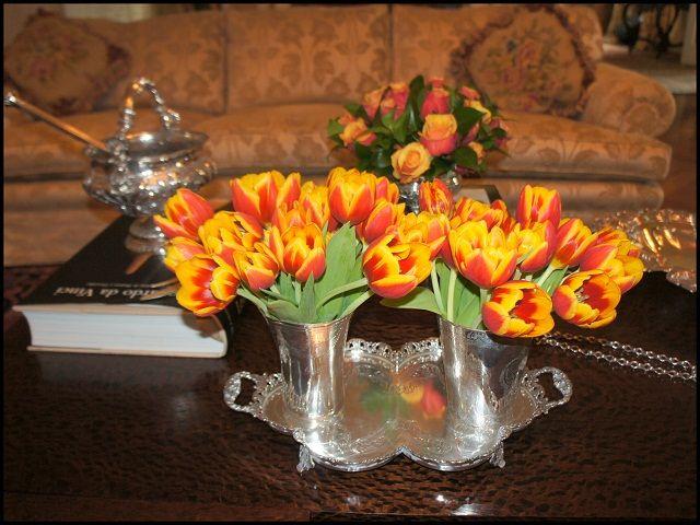 vaso de prata duplo com flores