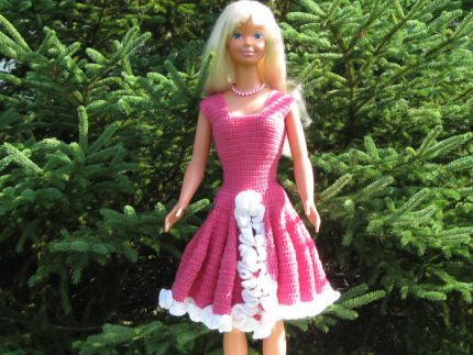 Free Barbie Doll Clothes Patterns For Cute Skirt Top And Sunhat