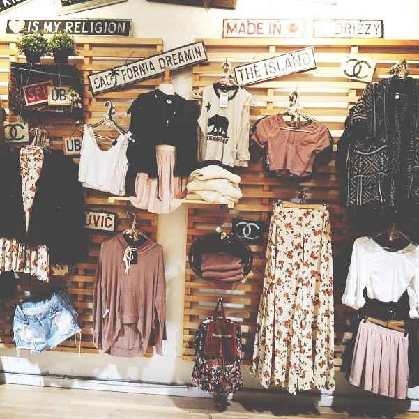 Brandy Melville // visual merchandising // store arrangement I like some of this!