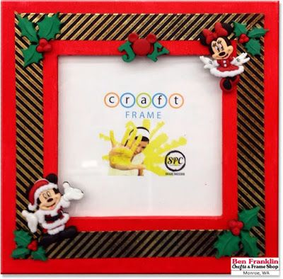 DIY Mickey Mouse Button Christmas Frame We love to add buttons to