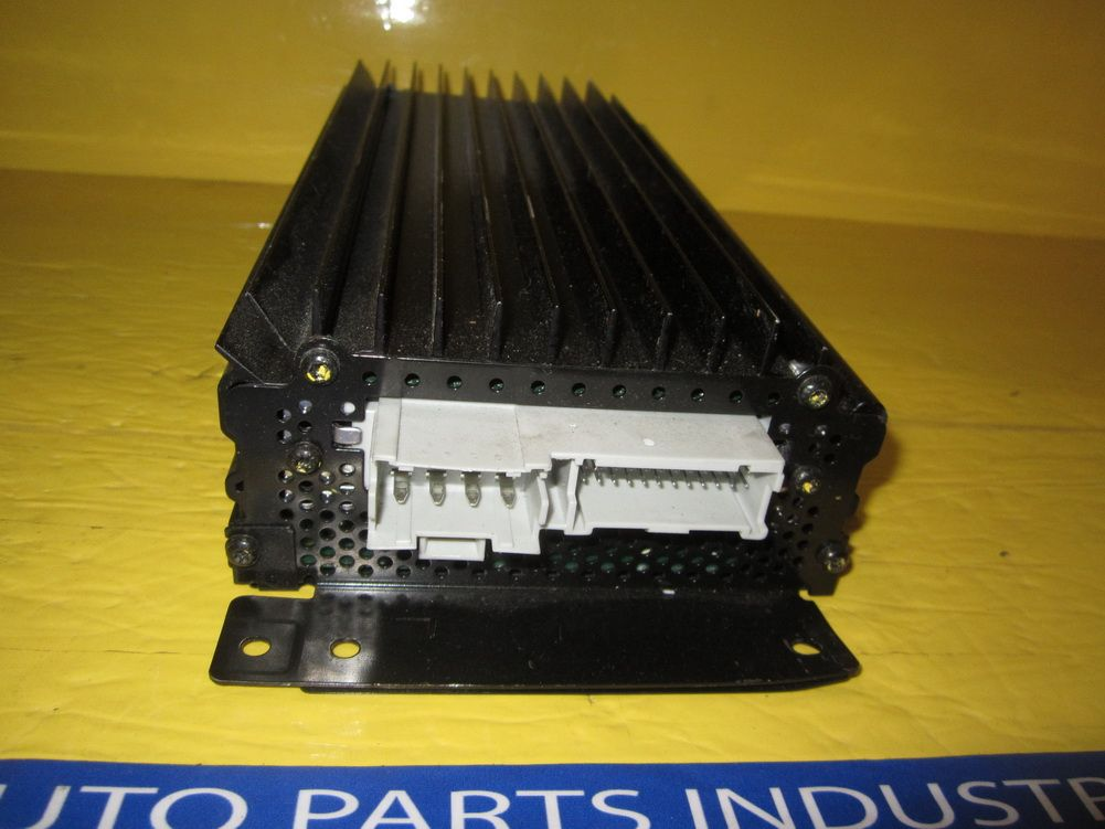 This Amplifier Amp is for 1999 ~ 2000 Cadillac Escalade Please