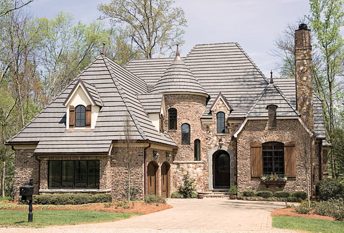 1 Car Garage Studio Apartment Contemporary House Plan 7210 Greenlee French Country House Plans French Country House Brick Exterior House