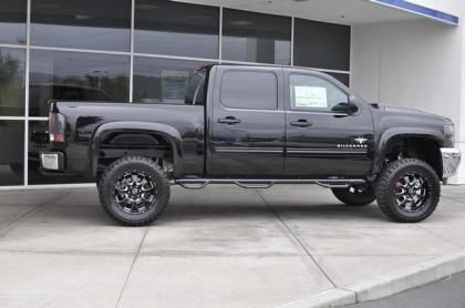 Lifted 2013 Chevy Silverado 1500 Black Widow Southern Comfort