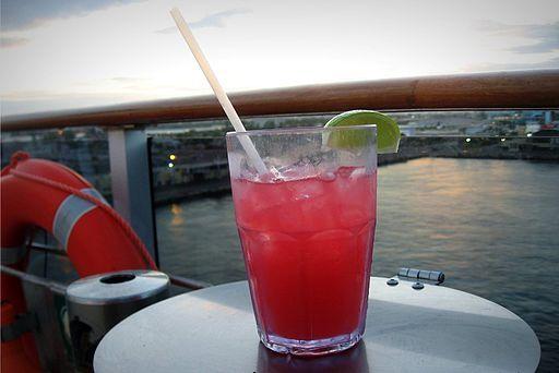 Cocktailshaker24: Sea Breeze Cocktail  http://www.cocktail-mixrezepte-verzeichnis.de/sea-breeze-cocktail.html