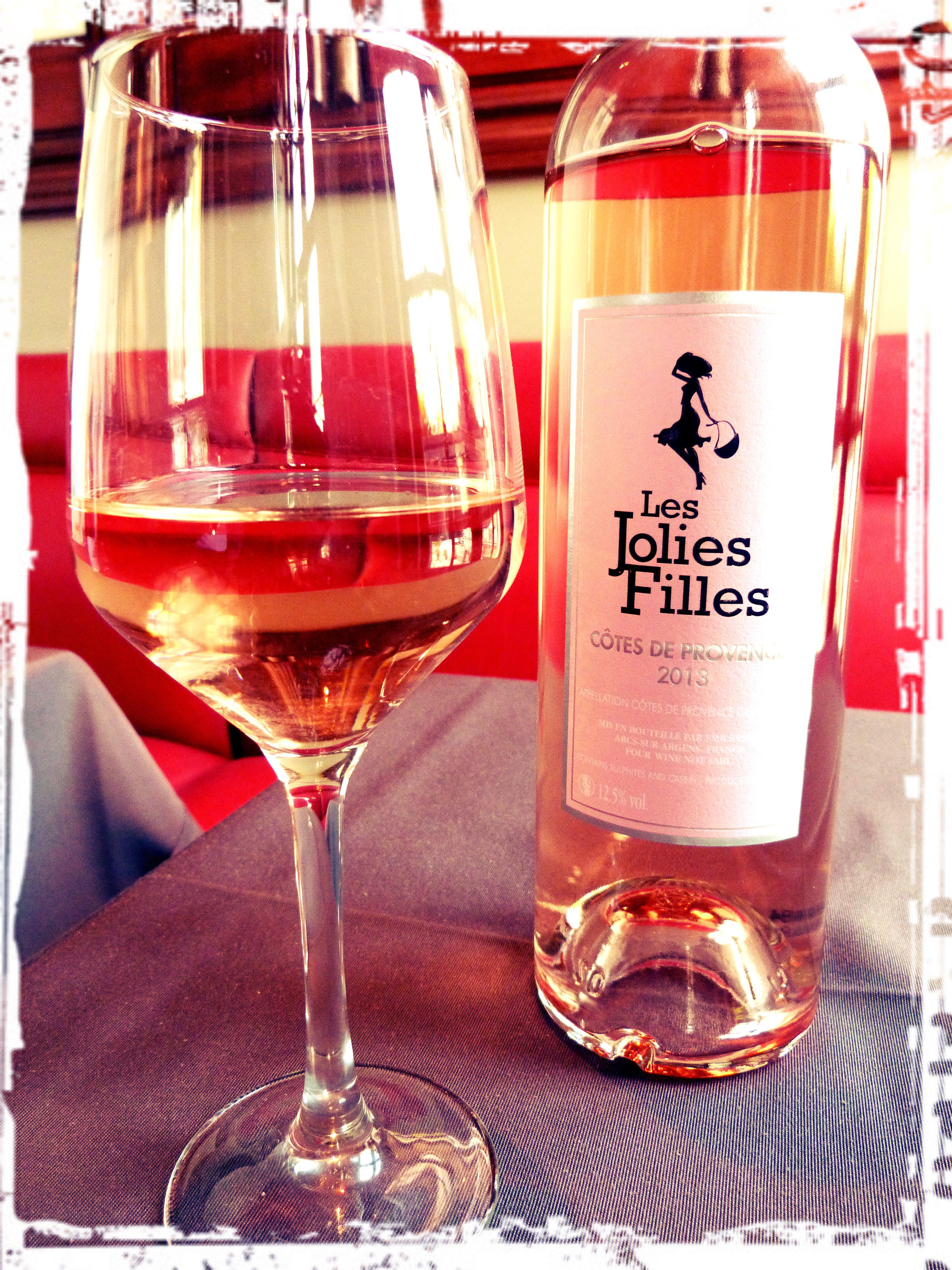 Pin By Naty On Les Jolies Filles Wine Bottle Rose Wine Bottle Wine