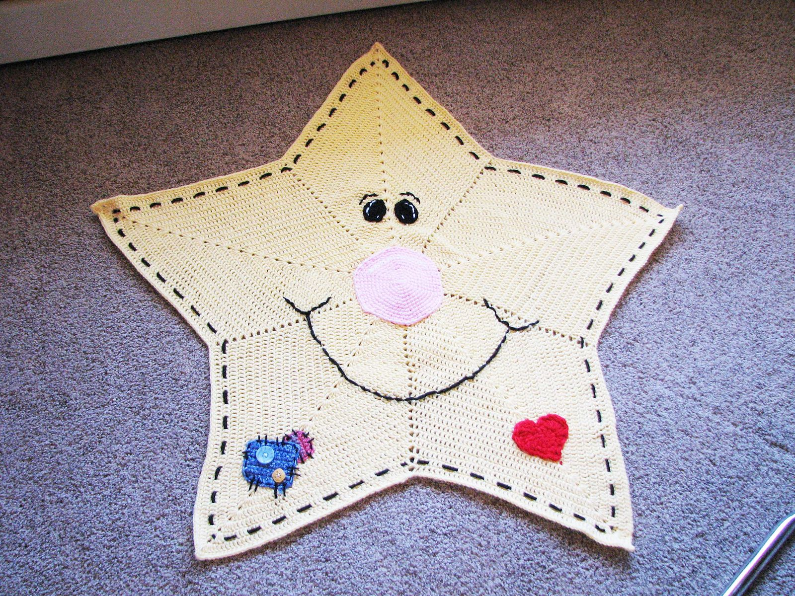 Star Blanket - Twinkles the Little Star pattern by Linda Jacquet
