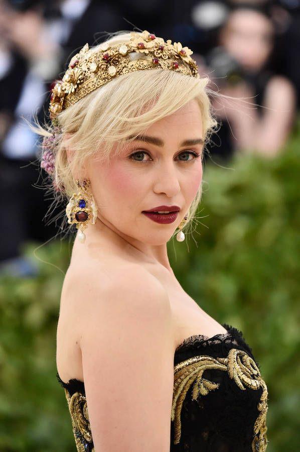 Le make up royal demilia clarke au met ball 2018 hair pinterest le make up royal demilia clarke au met ball 2018 m4hsunfo