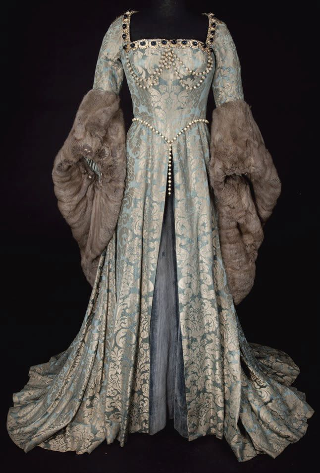 Dress worn to the coronation of Edward VII, 1902  From the Chicago History Museum