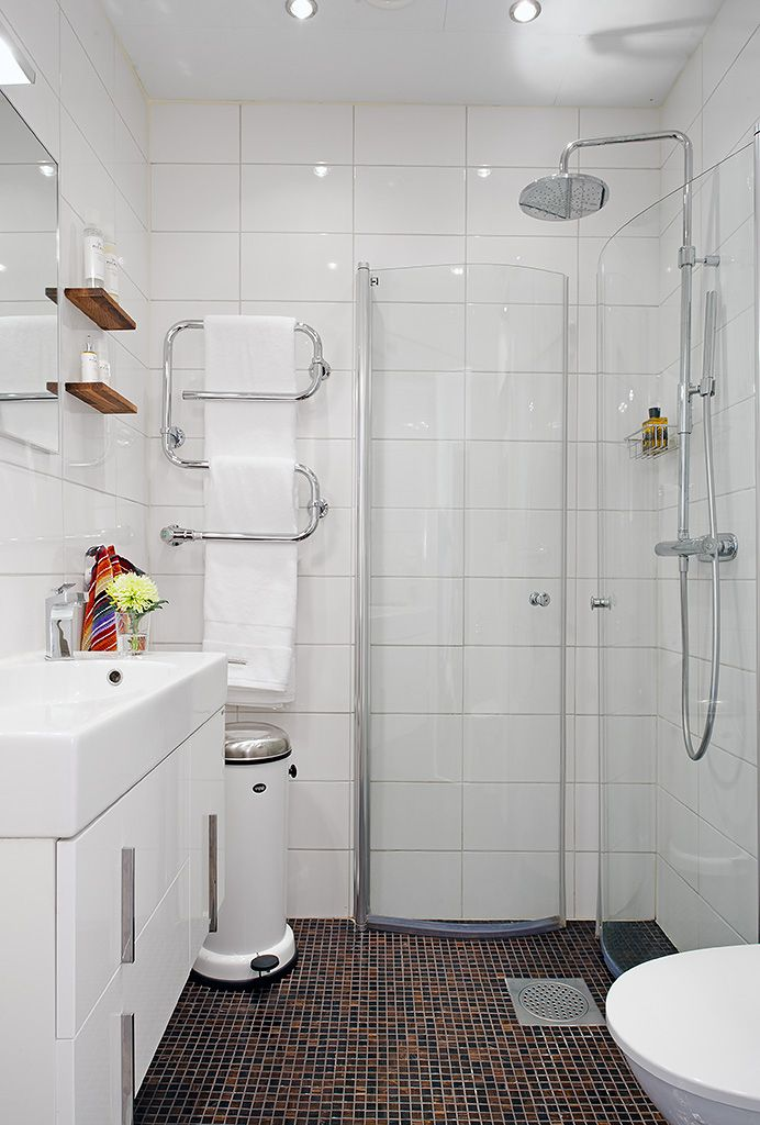 Solución para ducha en un baño con poco espacio | Baños ...