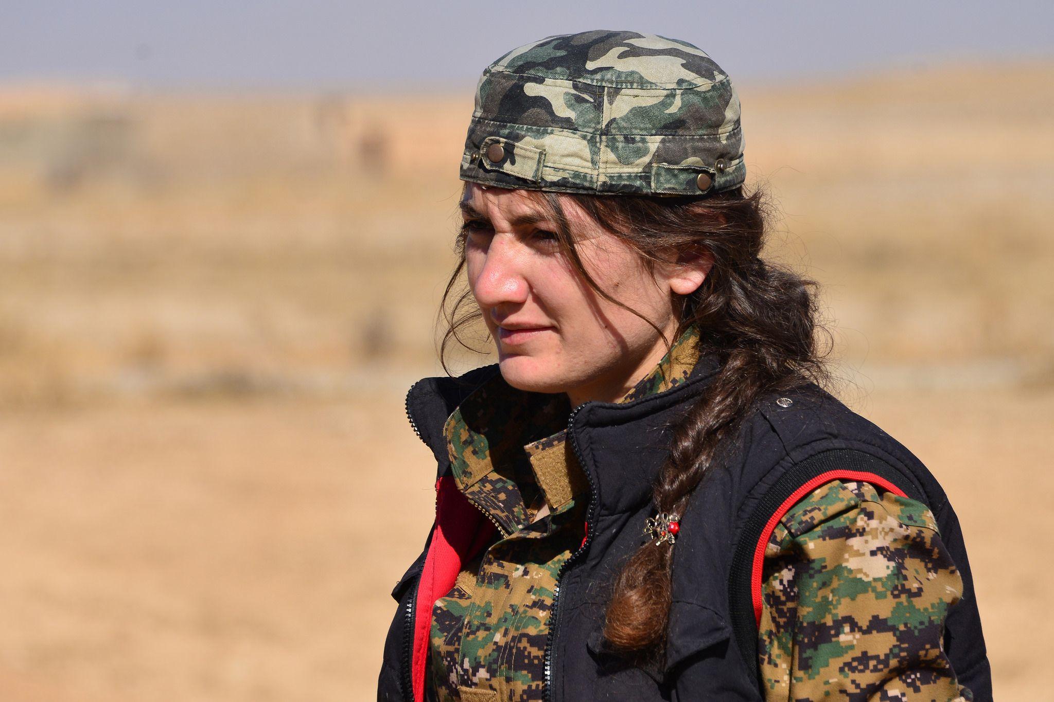 kurdish-fukgirl-nude-the-woods