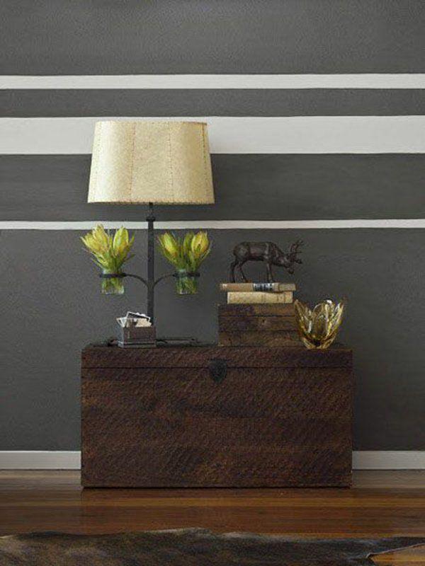 zimmerfarben gestalten horizontale streifen in grau weiß kasten - wandgestaltung streifen ideen