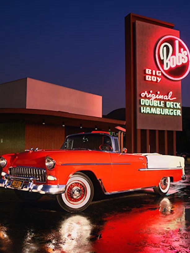 A Classic Chevy And Bob S Big Boy What More Do You Want How I Miss This Days Photo Bob S Big Boy Burbank Roadside Attractions Big Boy Restaurants