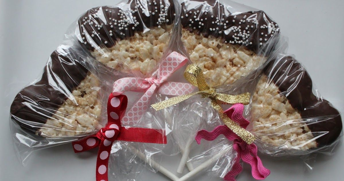 How cute are these heart shaped rice krispie treats on ...