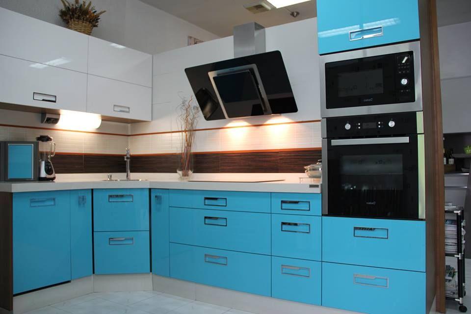 Cocina en azul caribe y blanco de la tienda muebles valen ...