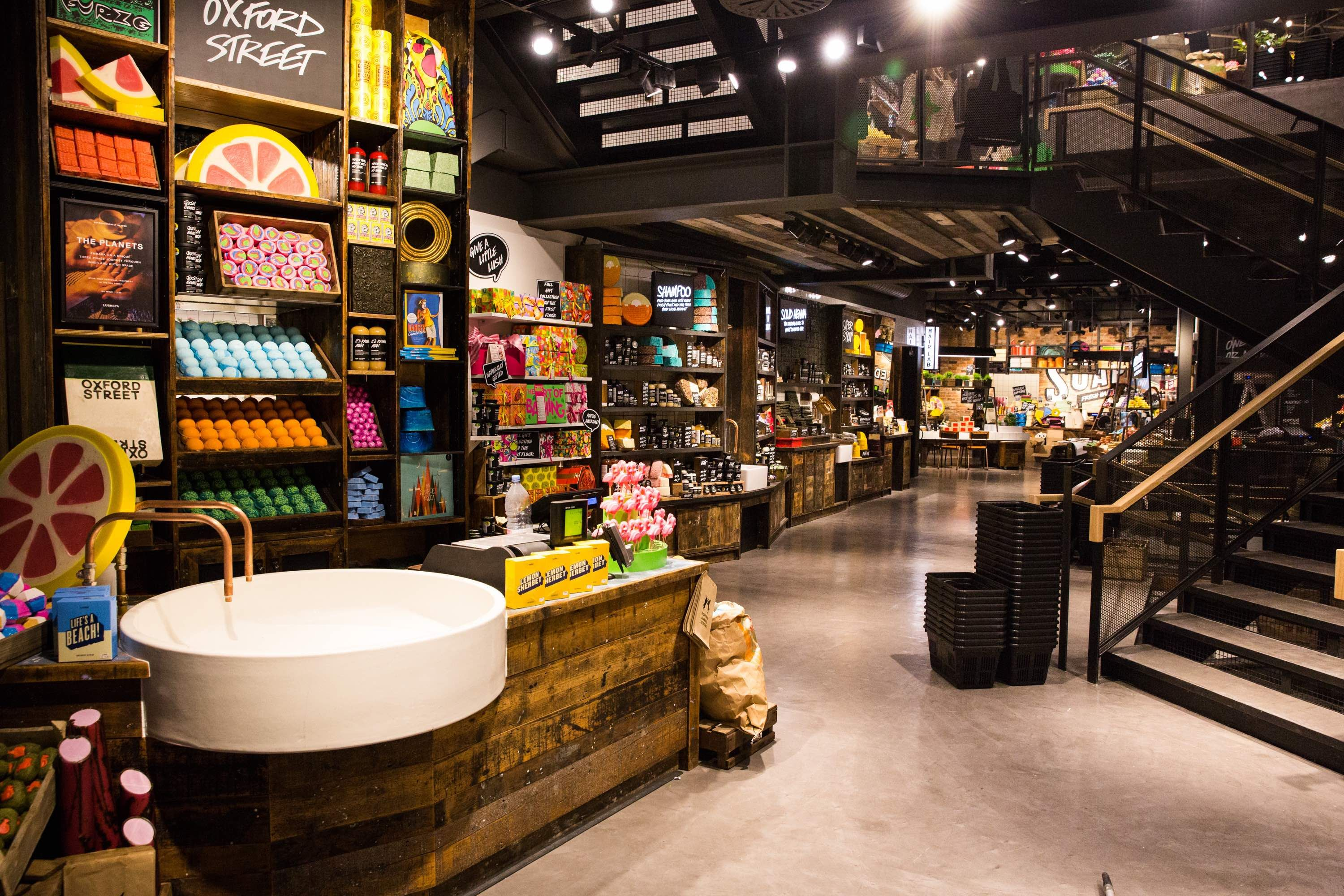 A LUSH TREAT FOR OXFORD STREET   ALU MiND   Retail Stores ...