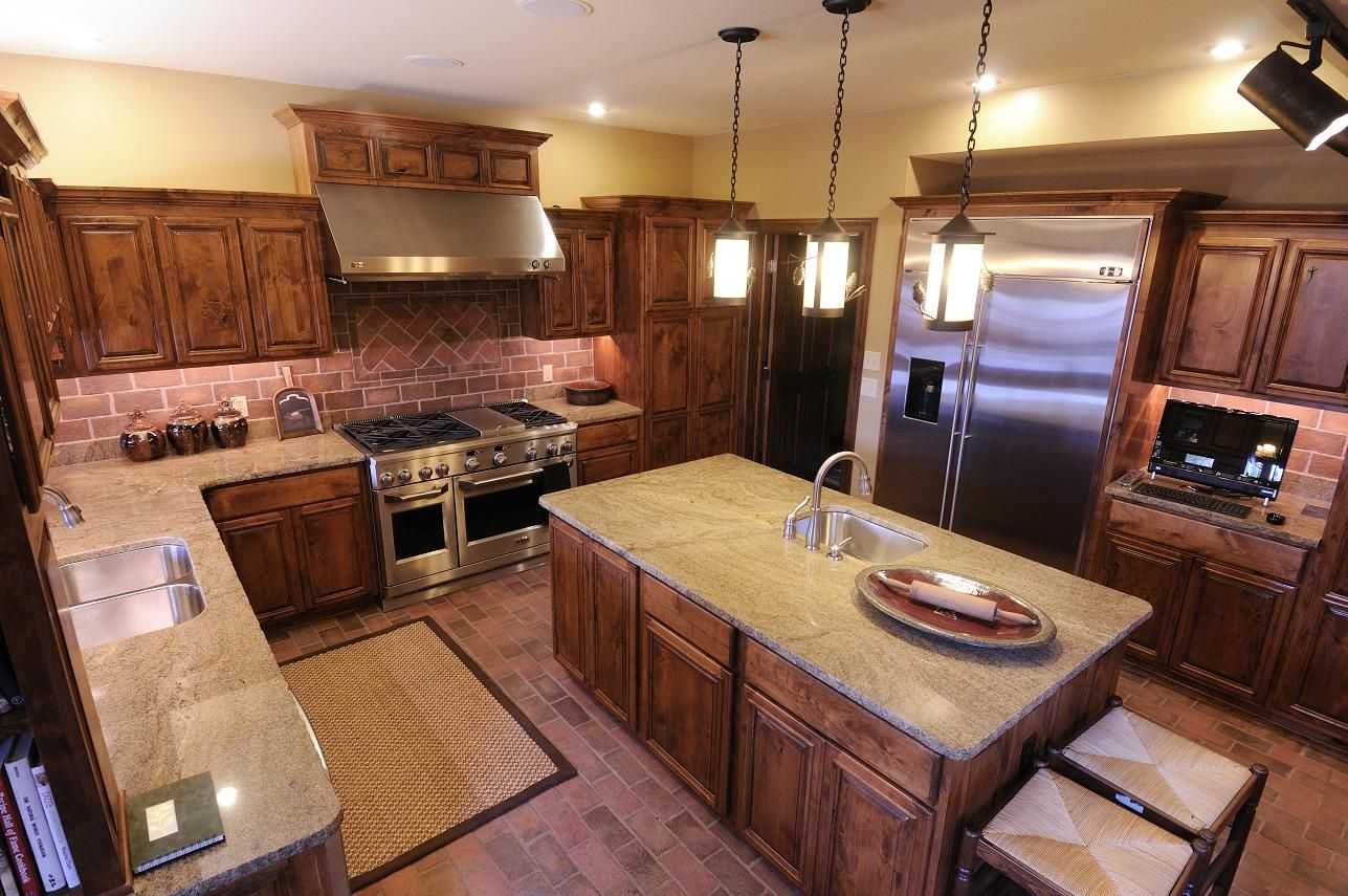 U shaped kitchen design ideas with rustic brown solid wood for Brown kitchen designs