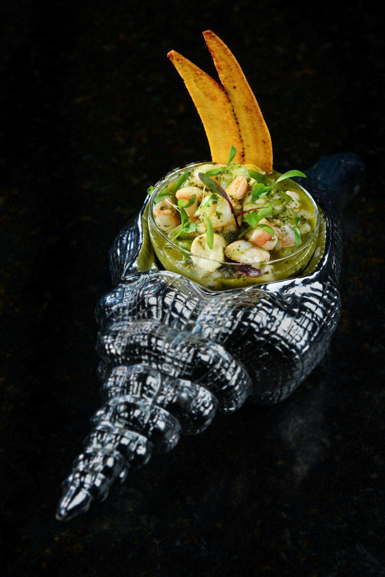 Ceviche de camarón con pesto de hierbas