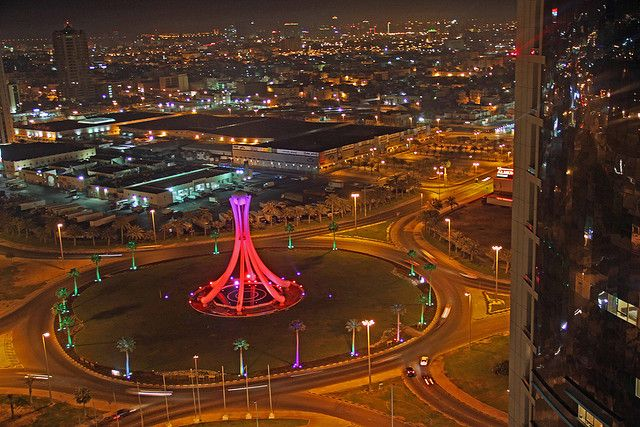 Pearl Roundabout    http://www.parlmagasinet.se/sotvattensparlor/3