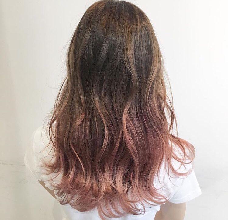 ピンクベージュグラデーションカラー ヘアスタイリング 髪の毛