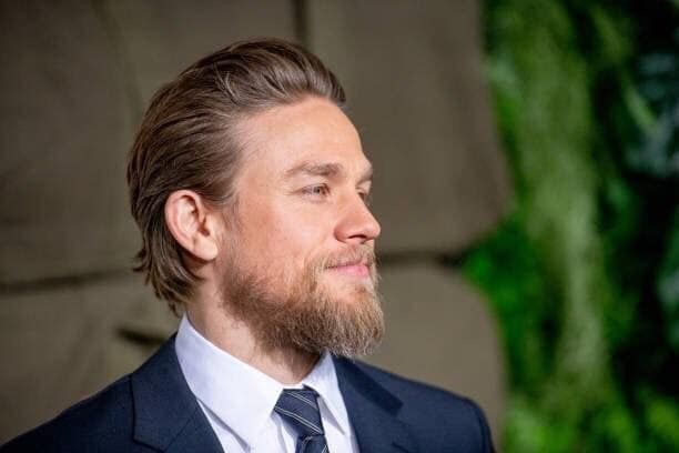Pin by Mari Vargo on Anarchy | Charlie hunnam, Gorgeous ...