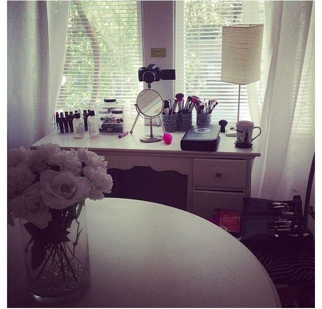 Jaclyn Hill Makeup Desk