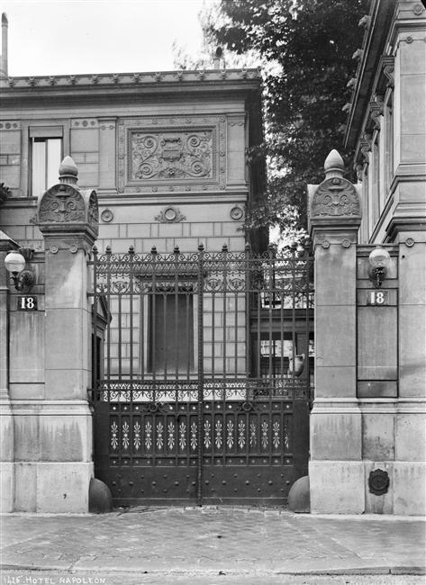 Alfred Nicolas Normand, Portail En Fer Forgé De La Maison Popmpéienne De  Napoléon,
