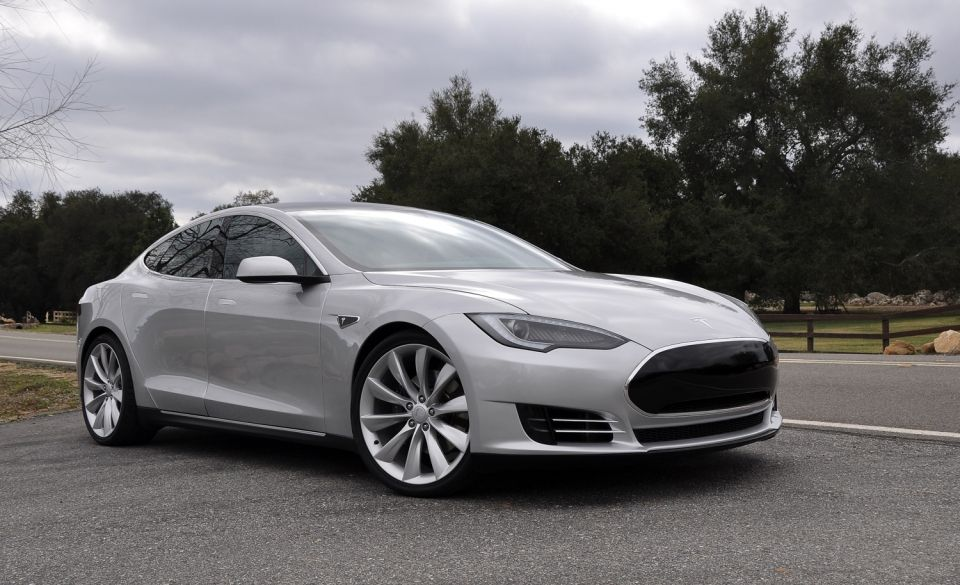 The Electric Sexy Tesla Model S Seats And Has A