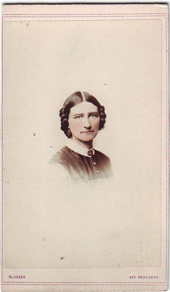 WOMAN In New York City Tinted Vignette Carte De Visite CDV 1860s