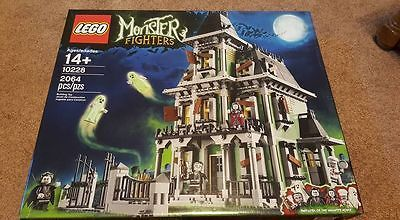 LEGO Monster Fighters Haunted House (10228) - New in sealed box https://t.co/kVNHKBJh2V https://t.co/7ITYx7XWSz