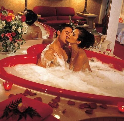 Romantic Bath Together The Art Of Seduction Heart Shaped Bathtub WOW