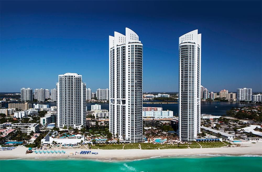 Trump International Beach Resort Sunnyisles Miamibeach Cityscape