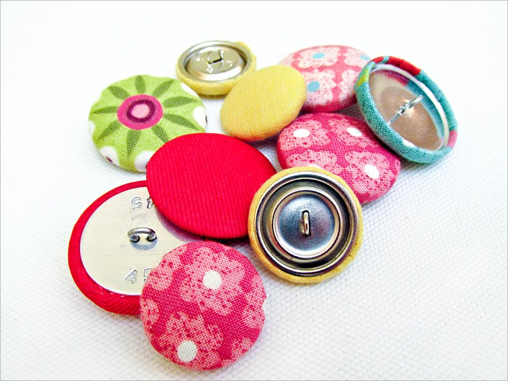 How To Make Covered Buttons With A Button Kit Sew4home Fabric Covered Button Covered Buttons