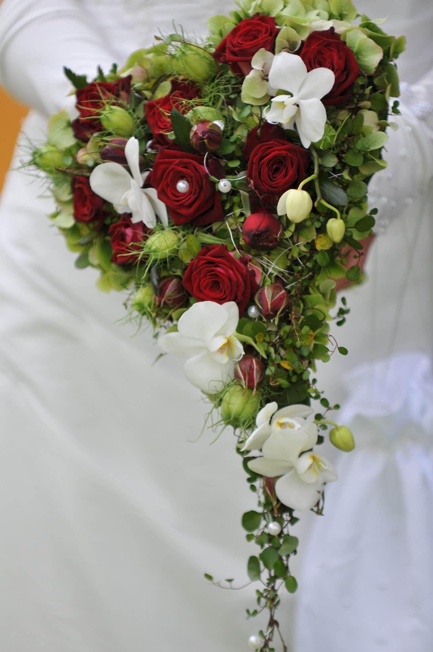 Brautstrau in Herzform  Bildergalerie  Heart Bouquet