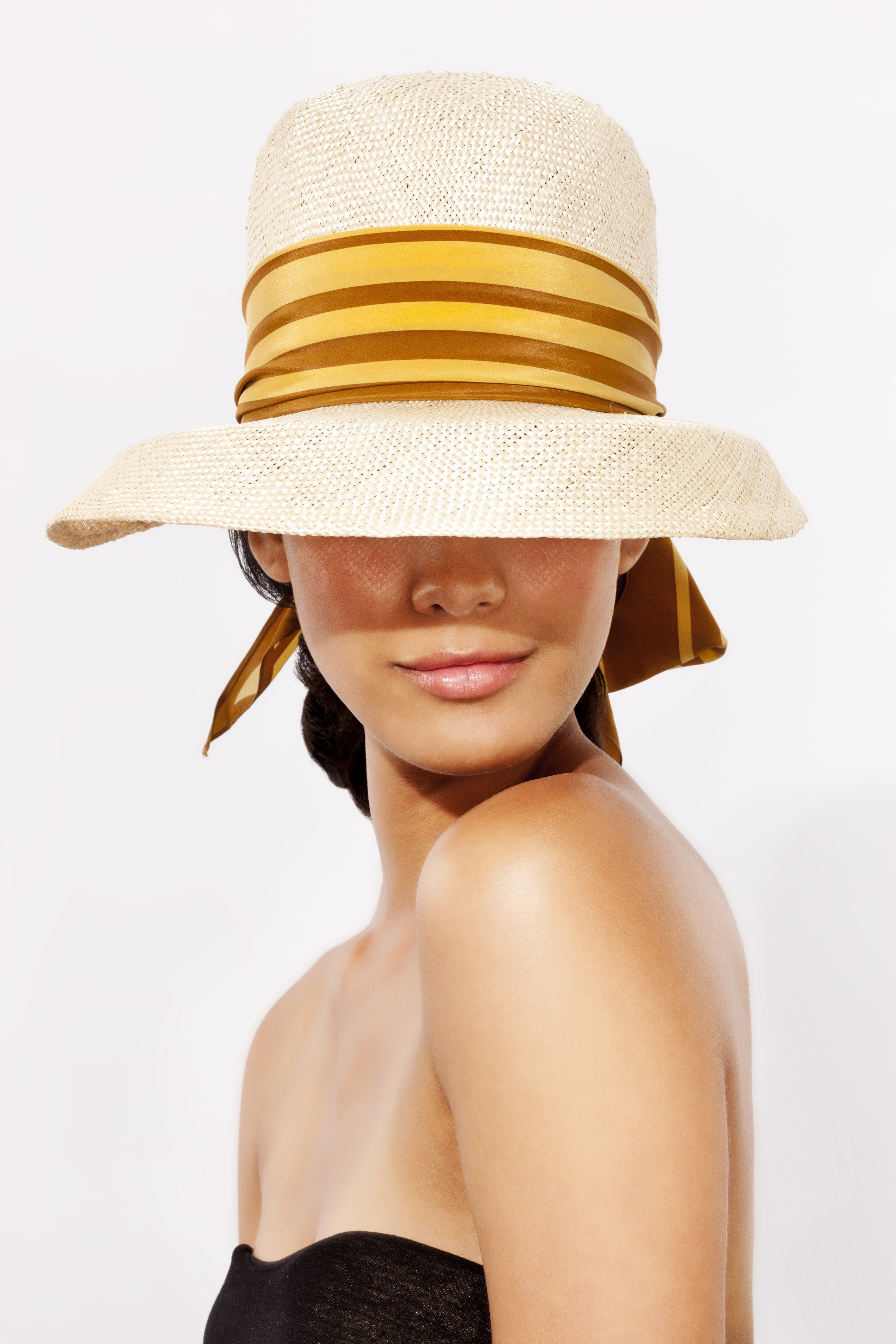 The 9 Most Common Sunscreen Mistakes | Allure
