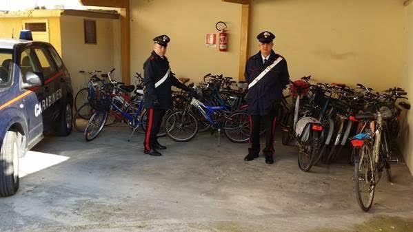 Arrestata mamma e figlio autori di furti di biciclette a San Prisco a cura di Enzo Santoro - http://www.vivicasagiove.it/notizie/arrestata-mamma-figlio-autori-furti-biciclette-san-prisco/