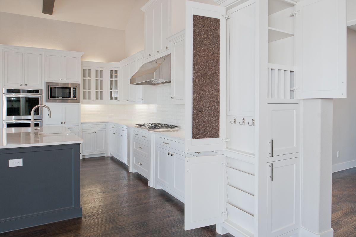 Best Custom Contemporary White Kitchen With Custom Business 400 x 300