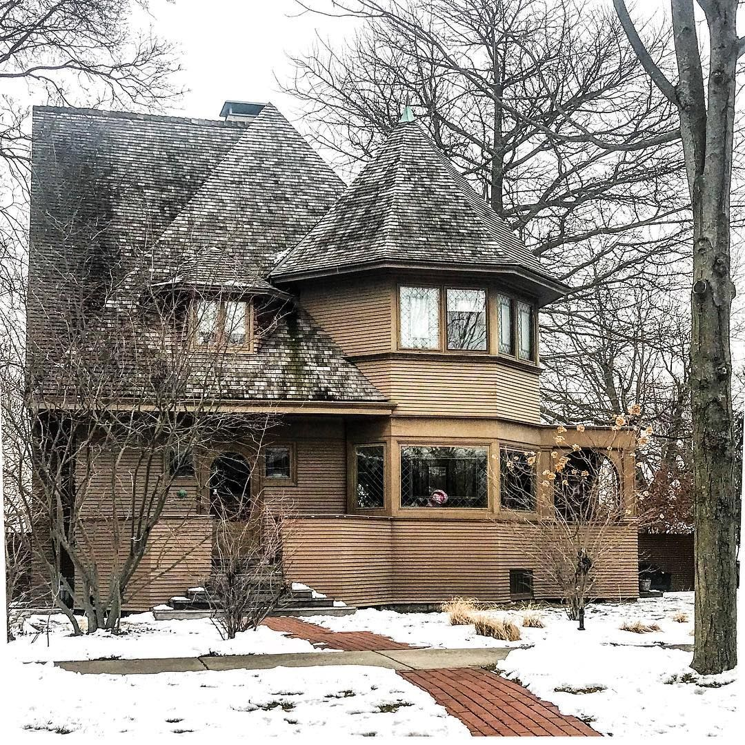 "The Robert G. Emmond House (1898), one of the ""bootlegs"" in this style  created on the side by Frank Lloyd Wright w… 