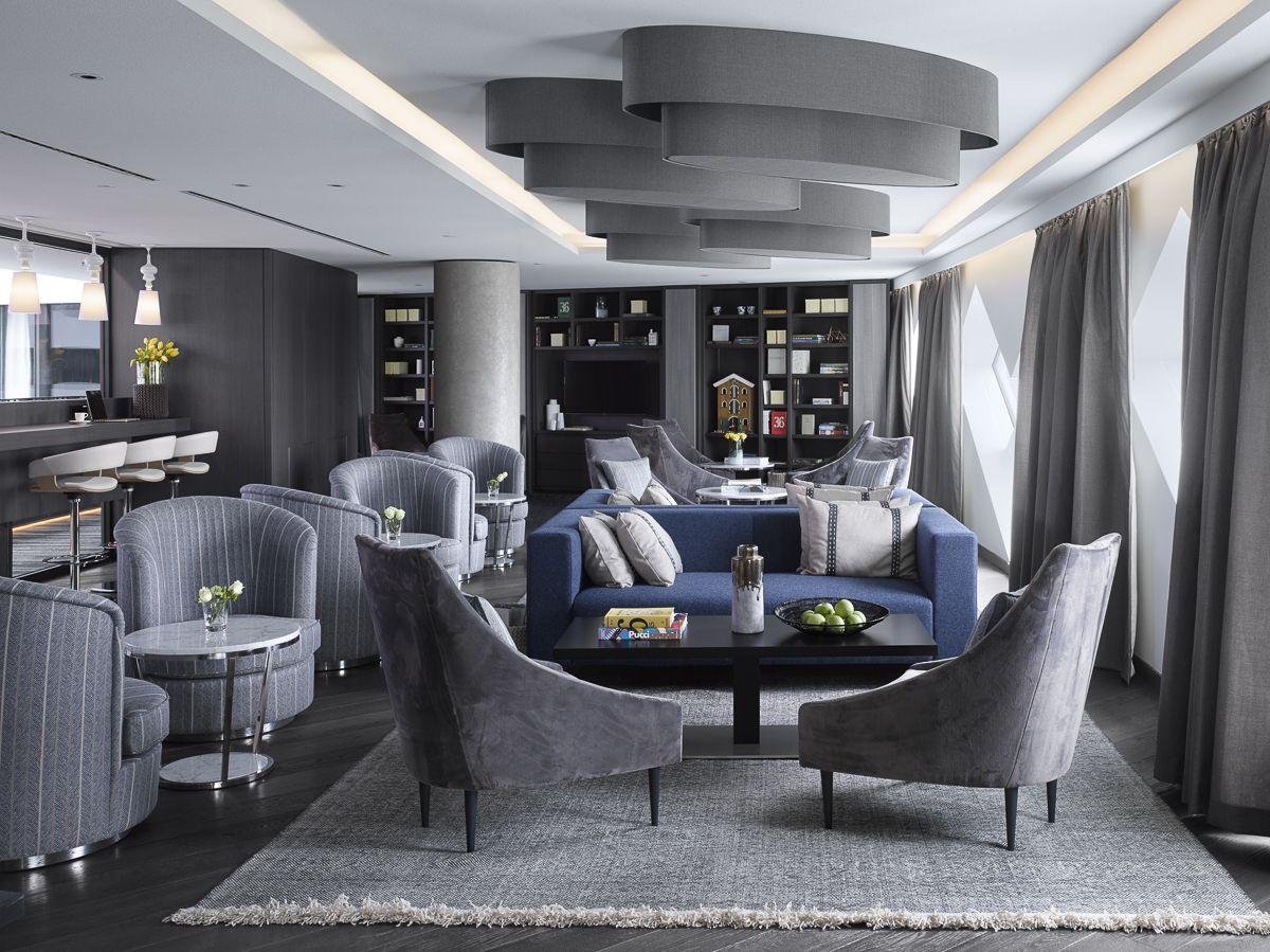 Hilton Schiphol Amsterdam. Executive Lounge. Marble