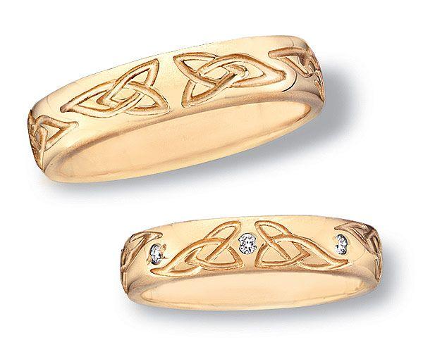 White gold trinity knot wedding bands