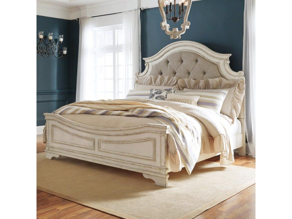 Best Signature Design By Ashley Realyn Queen Upholstered Panel Bed With Button Tufting Miskelly 640 x 480